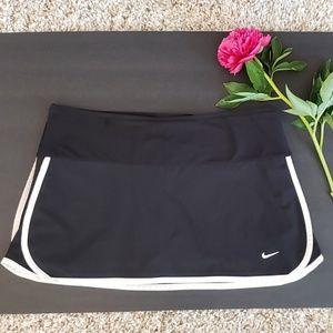 Nike Fit Dry Black & White Tennis Skirt